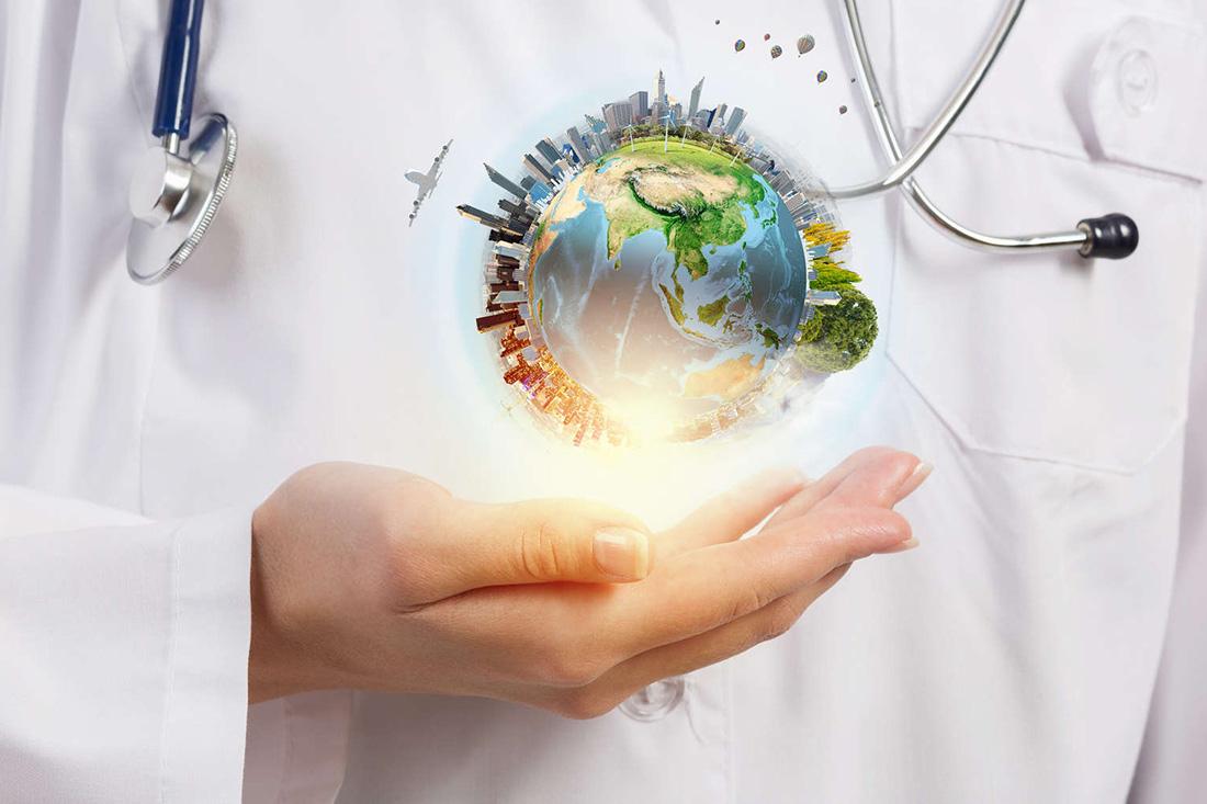 Médecin et globe terrestre