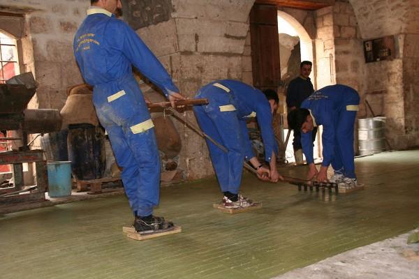 Le découpage du savon d'Alep
