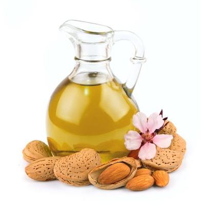Bouteille d'huile avec des amandes