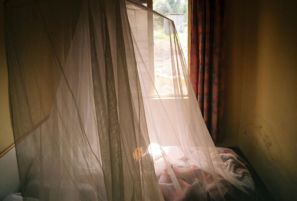 La moustiquaire, simple à mettre en place et efficace